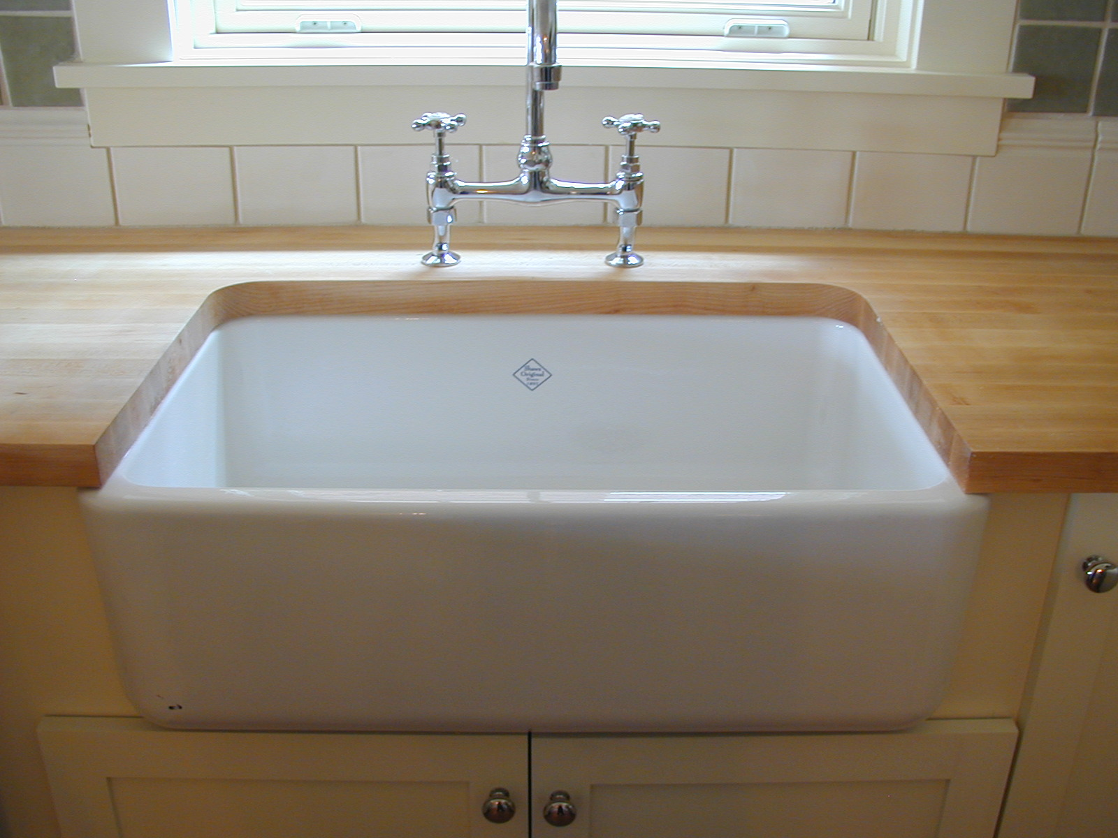 Countertop Sink : country kitchen sink country kitchens kitchen sinks dream kitchens ...